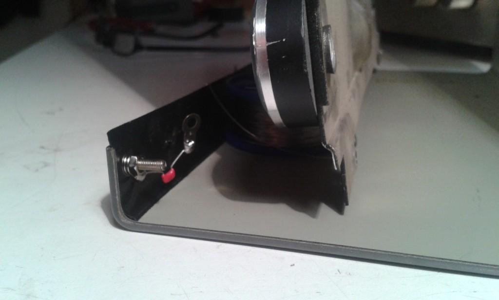 41 fissaggio lato su coperchio esterno senza rondella isolante
