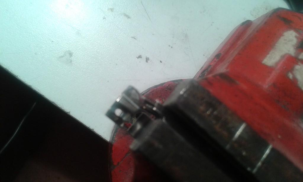 fissaggio su morsa schermo esterno pentapolare