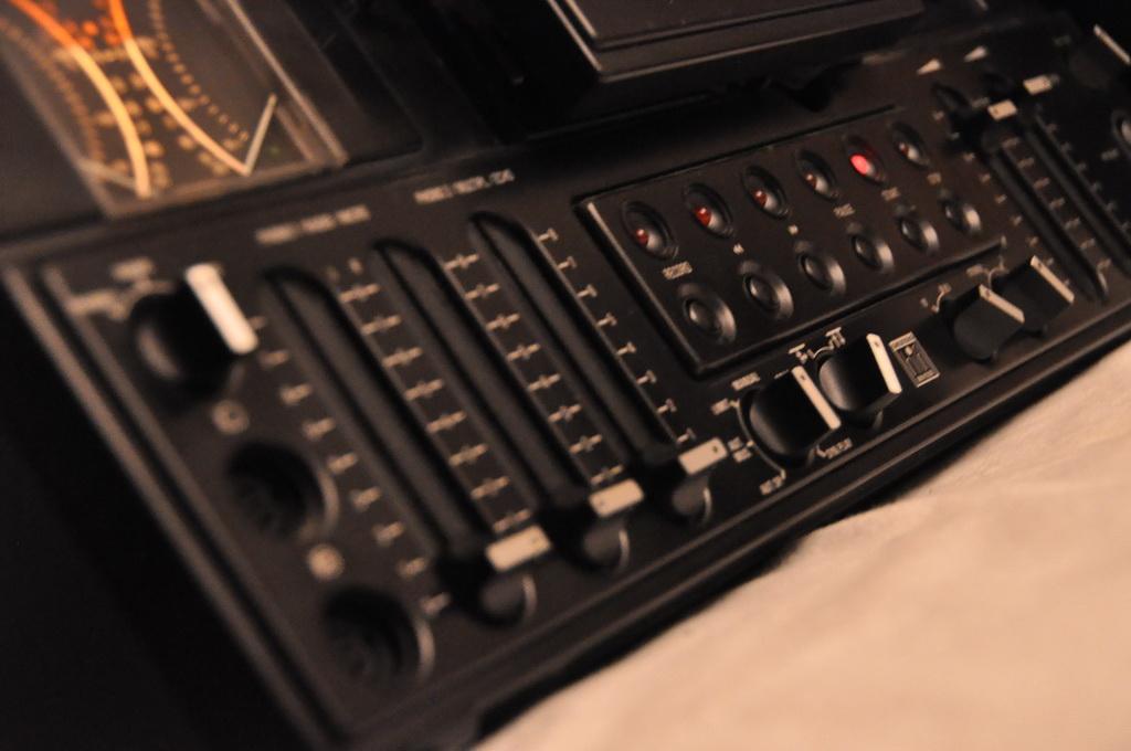 Grundig TS 945