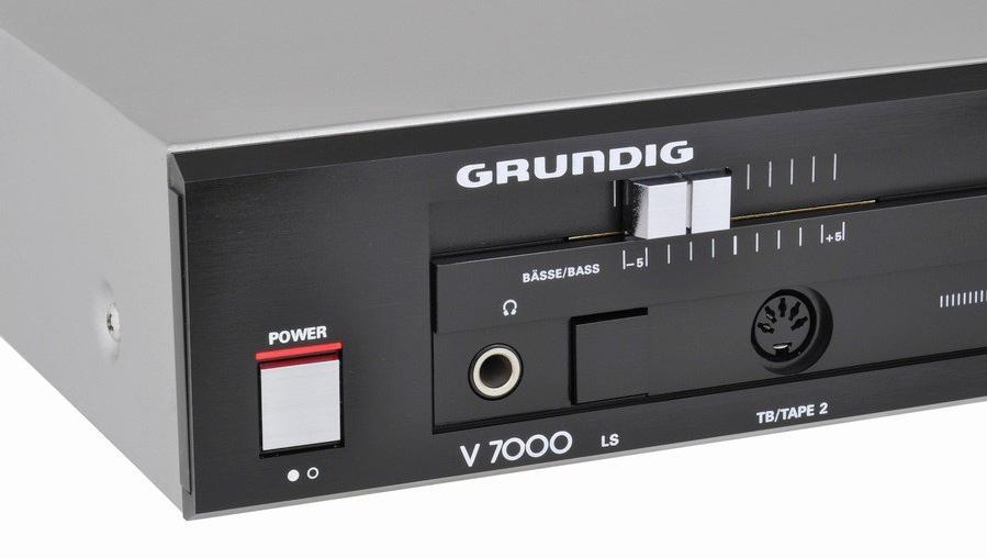 Grundig V7000