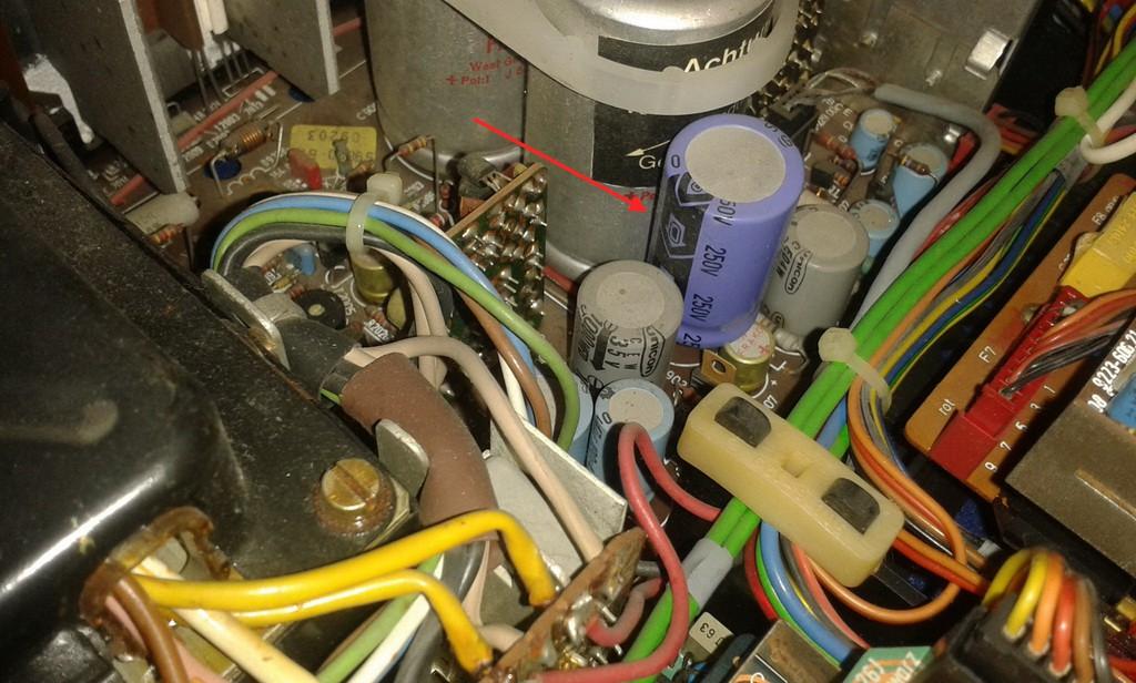 condensatore 100 micro.