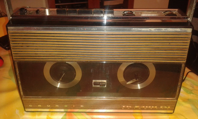 TK 2400 FM