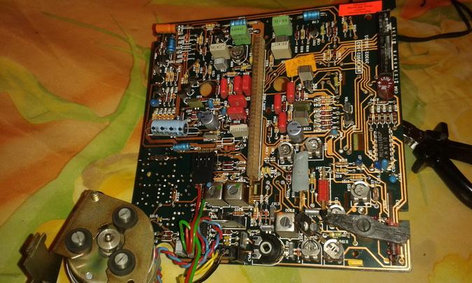 circuito piastra lato componenti