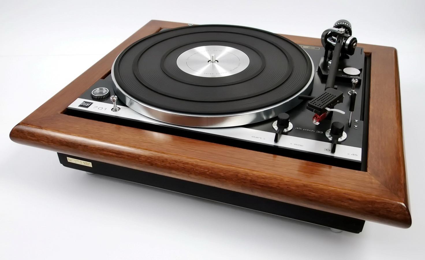 Dual 701 by Audio Oasi - Relazione tecnica Robi