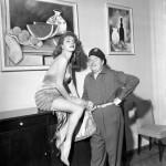 Abbe Lane e il suo primo marito Xavier Cugat, nel 1956. ANSA / ARCHIVIO STORICO